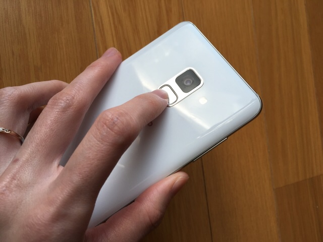 Galaxyfeel2レビュー指紋認証
